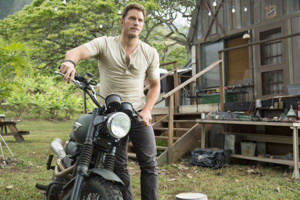 jurassic-world-chris-pratt-600x400